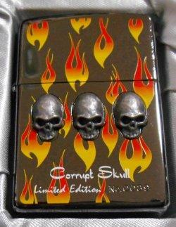 画像1: 💀迫力のスカル!豪華限定 Corrupt Skull チェーン付 2001年 ブラック ZIPPO!新品