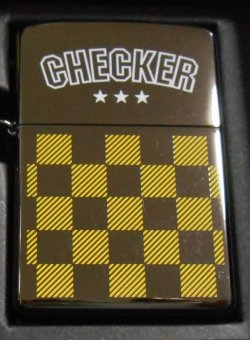 画像1: ☆ CHECKER!イエロー・チェッカー 三角カン&ホルダー付 2002年 ZIPPO!新品